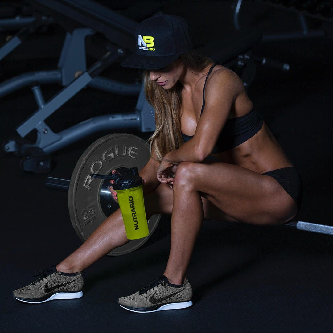 Amanda Aguzzi, NutraBio Athlete. In the gym sporting NutraBio apparel.
